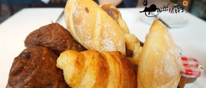 爱情和面包_面包和爱情是什么意思