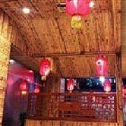 东北特色铁锅炖 石桥店