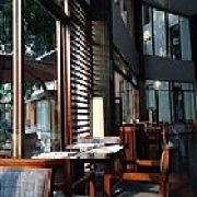 白云湖畔酒店湖景西餐厅