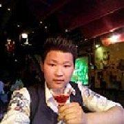 红旗下酒吧