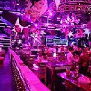 阿斯顿艺术酒吧KTV